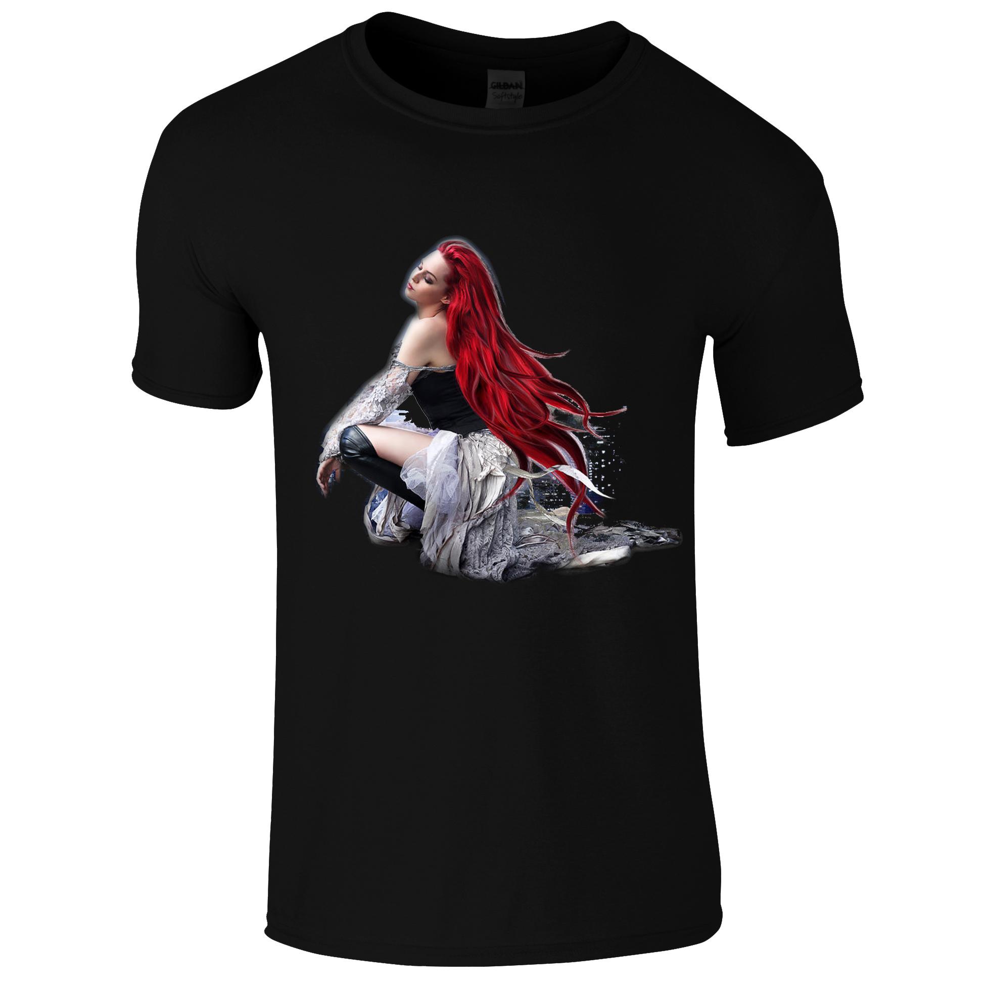 Schwarzes Gothic Shirt mit rothaariger Frau